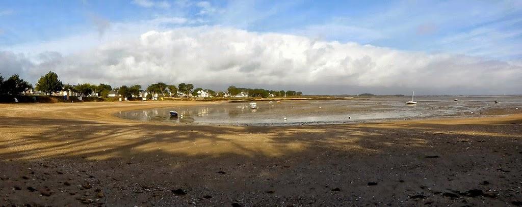 petite plage de Kervoyal en hiver