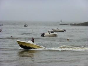 bruno en bateau plage de kervoyal