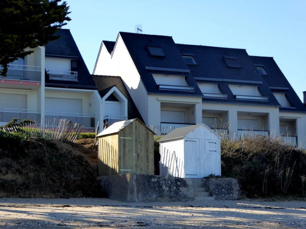 La 11ème cabine de la plage (à gauche), terminée vendredi soir!