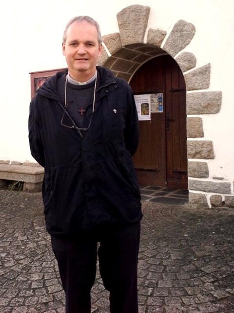 Le Père Jean-Eudes Fresneau, curé du doyenné de Muzillac et de Kervoyal En damgan