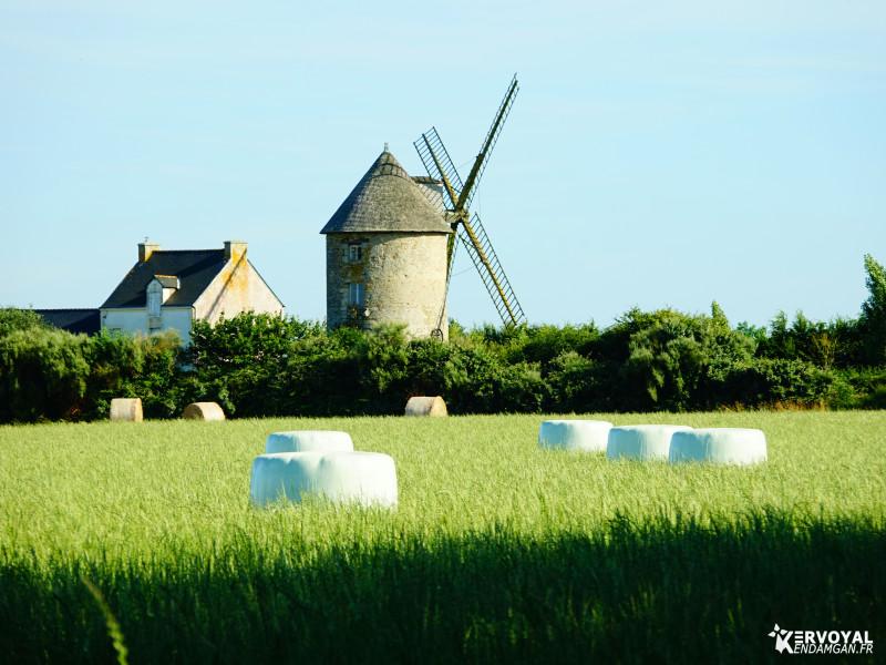 moulin de kervoyal en été